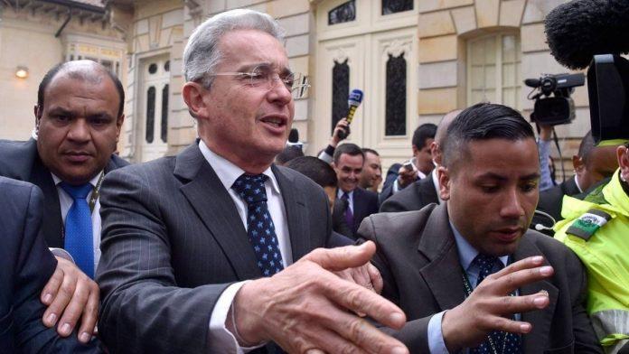 Prensa Internacional revela cables de Estados Unidos que vinculan a Uribe con los paramilitares