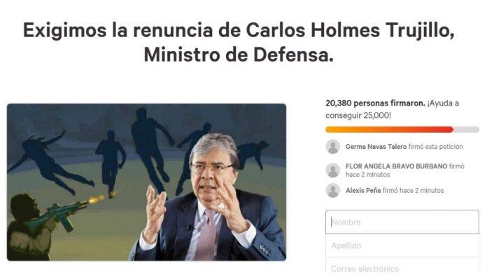 Iniciativa para que renuncie Carlos Holmes Trujillo