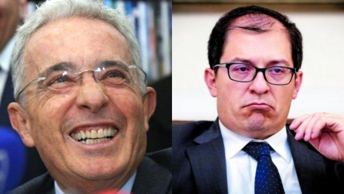 Investigaciones contra Álvaro Uribe Vélez pasan a manos de la Fiscalía