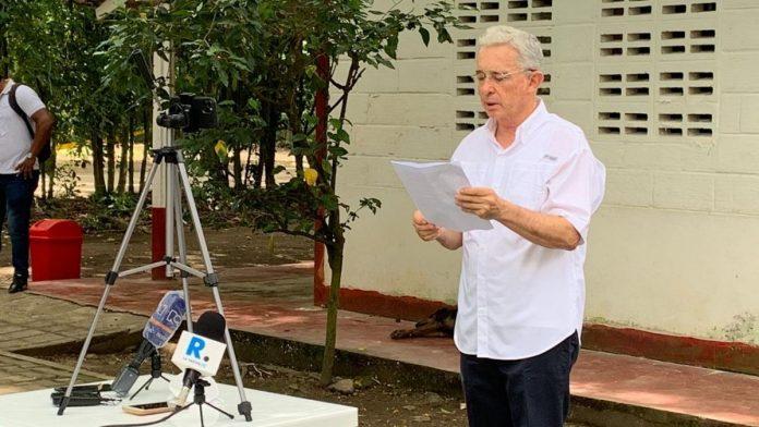 Álvaro Uribe Vélez libertad