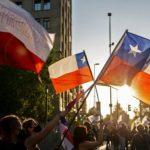 Gana plebiscito en Chile a favor del cambio de su Constitución.