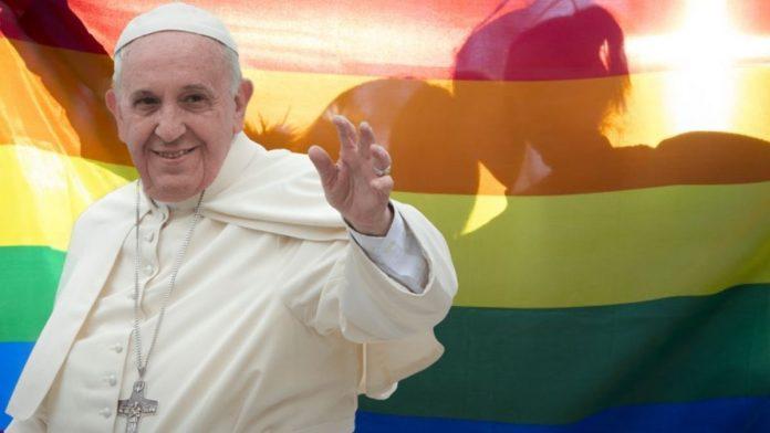 Papa Francisco acepta uniones de parejas LGBTI