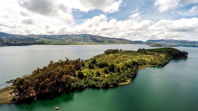 Isla de San Pedro en el Lago de Tota