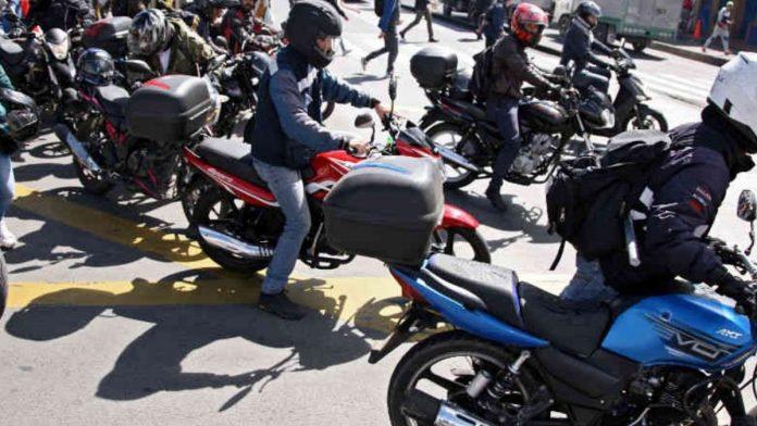 El Mintransporte da a conocer cómo se debe utilizar el casco de la moto en 2021