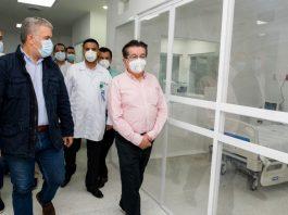 Iván Duque y el ministro de Salud Fernando Ruiz