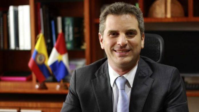 Ministro de Ambiente, Carlos Correa