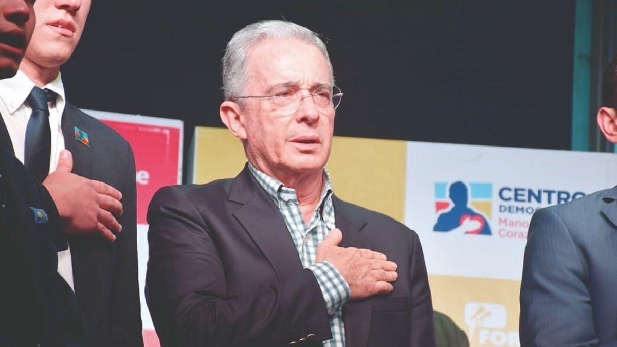 Álvaro Uribe Vélez y su propuesta política.