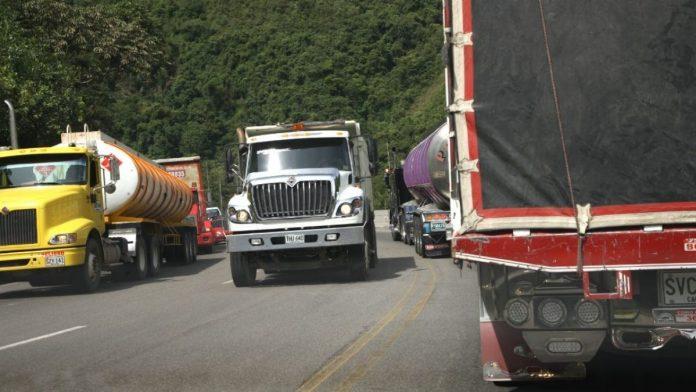 Camioneros en PARO para el 15 de febrero