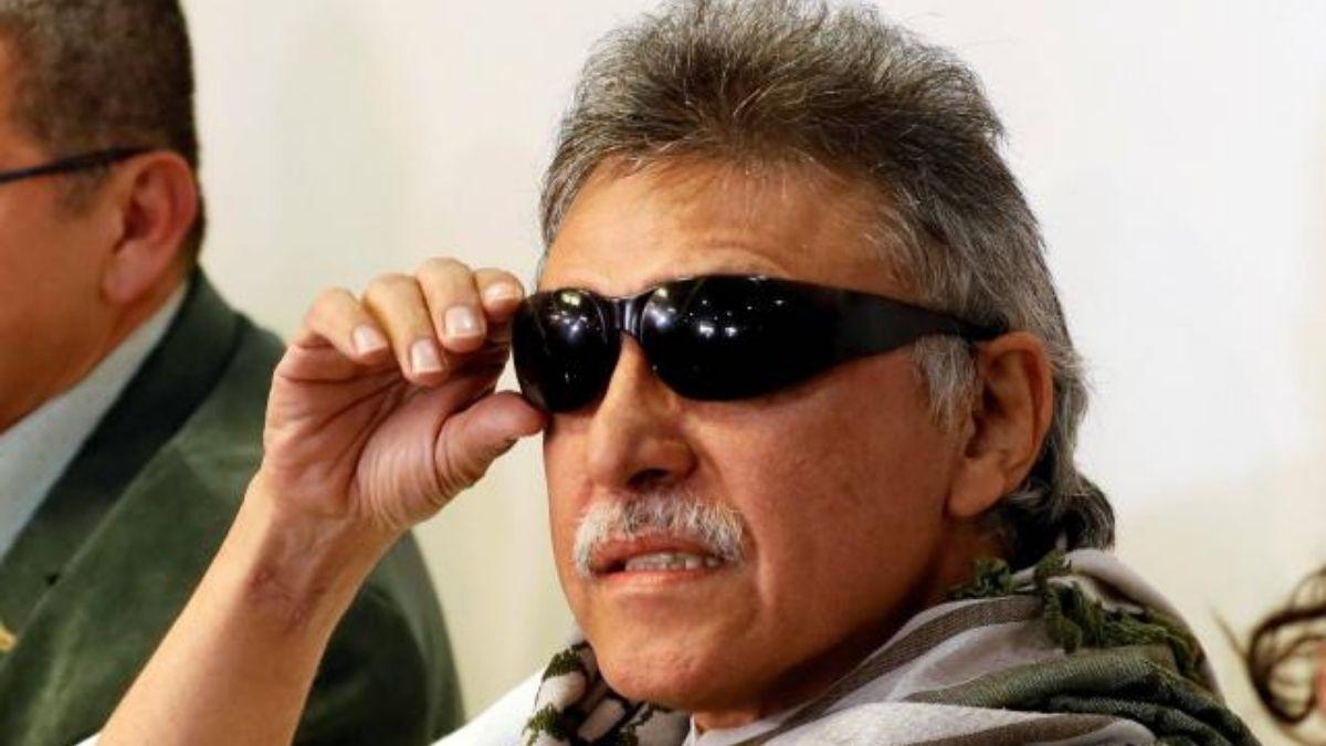 Cortinas de humo de las FARC y ELN favorecen al Gobierno