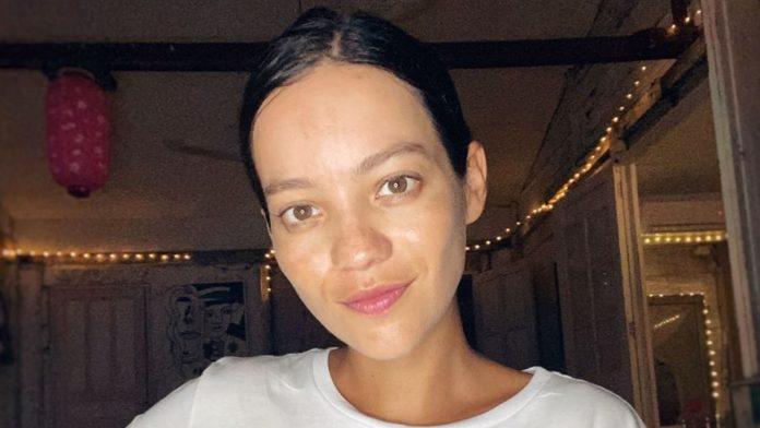 Natalia Reyes viaja por cuestiones de trabajo