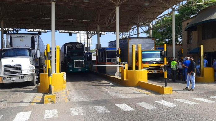 Nueva protesta de camioneros en Cartagena