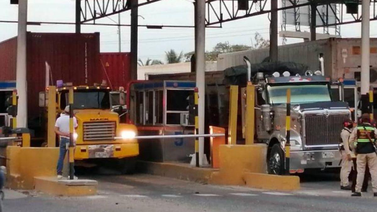 Protesta de camioneros en Cartagena