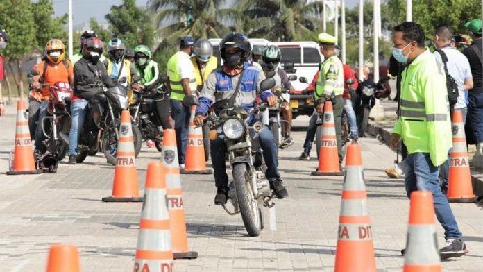 Sanciones a motociclistas que no usan en el casco en Colombia