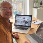 Sanjeev Gupta debería estar con cientos de científicos en el control de la misión en California
