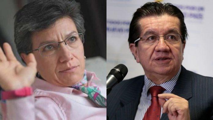 Tenso inicio de vacunación en Bogotá