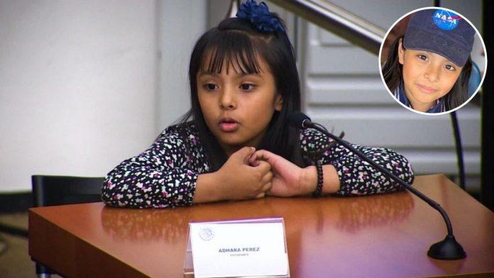Adhara Pérez la niña genio mexicana