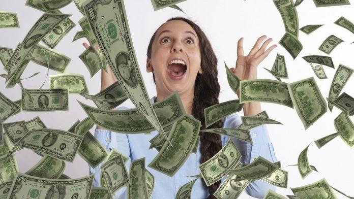 El dinero no trae felicidad, dice ganadora del Baloto