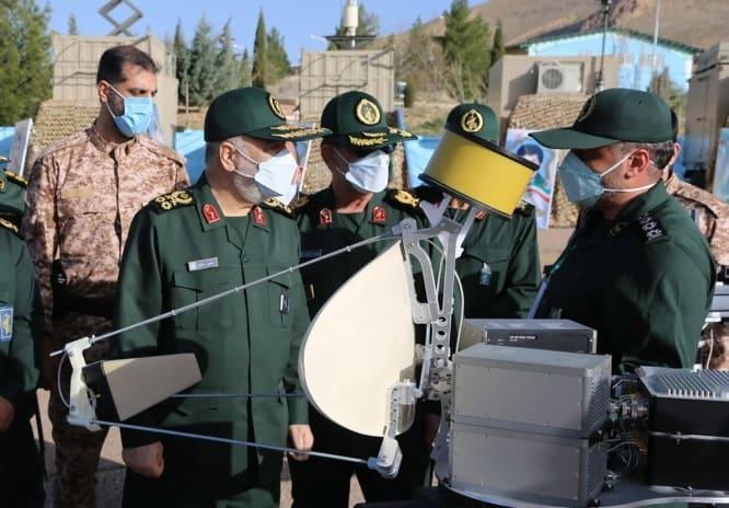 El general Hossein Salami y otros funcionarios de alto rango recorrieron las instalaciones.Crédito Reuters