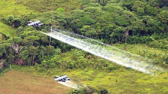 Fumigación aérea en Colombia
