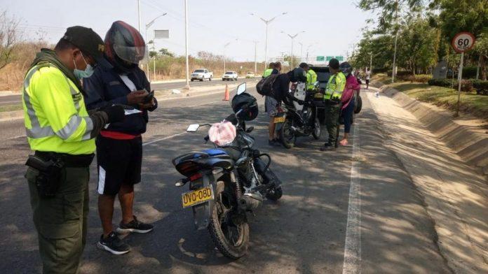 La Policía de Barranquilla hace operativos en la Circunvalar. Foto Polícia Colombia