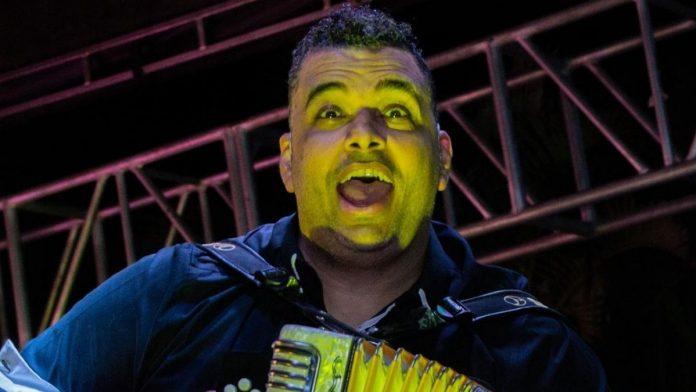 Rolando Ochoa presenta su nueva propuesta musical