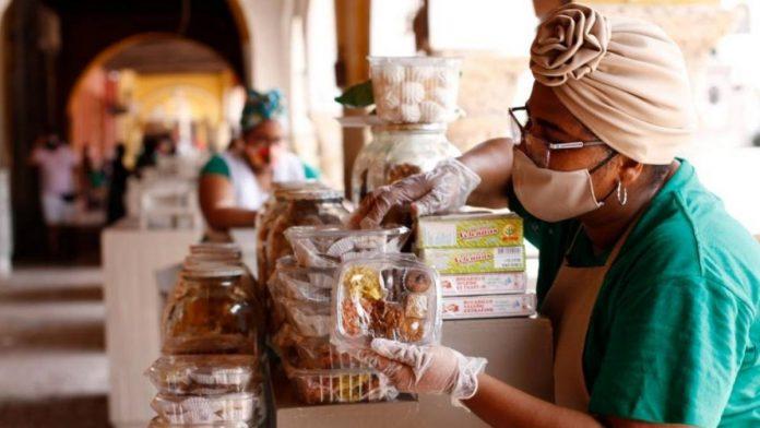 Vendedoras del portal de los dulces Cartagena