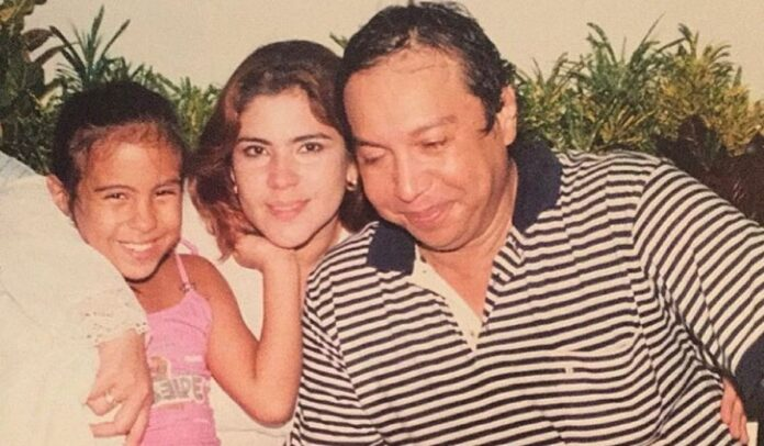 Betsy Liliana Diaz Gonzalez, con su madre y padre