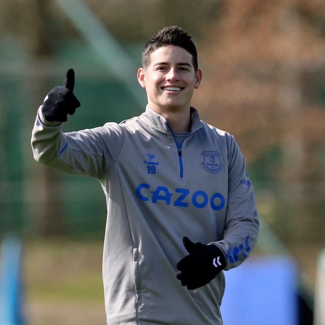 James Rodríguez practica Everton
