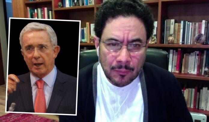 Iván Cepeda denuncia a Álvaro Uribe penalmente