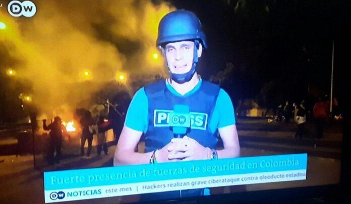 Reporteros internacionales reportan la situación de Cali como un campo de guerra.