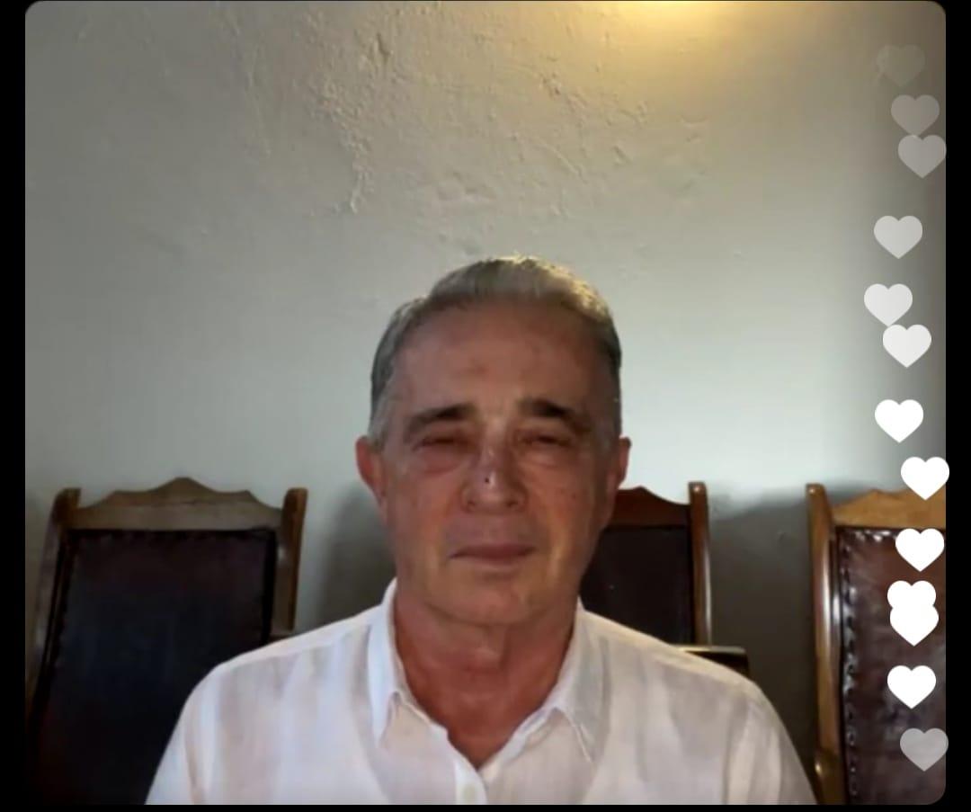 Rostro de Uribe