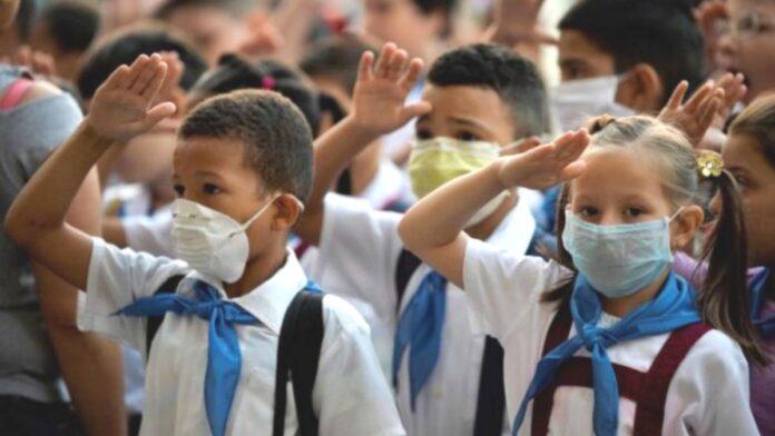Anuncian regreso a clases presenciales en Colombia