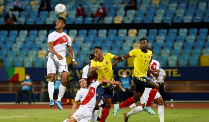 Colombia perdió 2-1 contra Perú