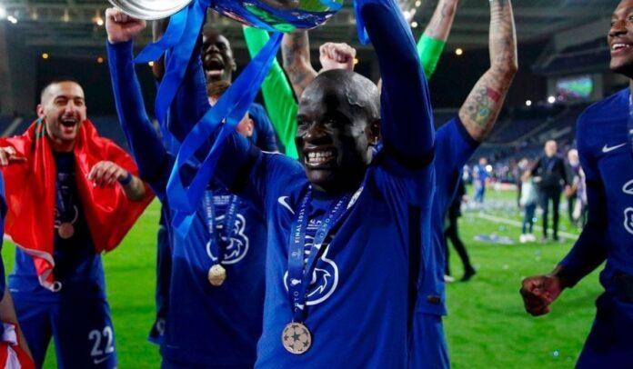 N'Golo Kanté celebrando el campeonato de la Champions League
