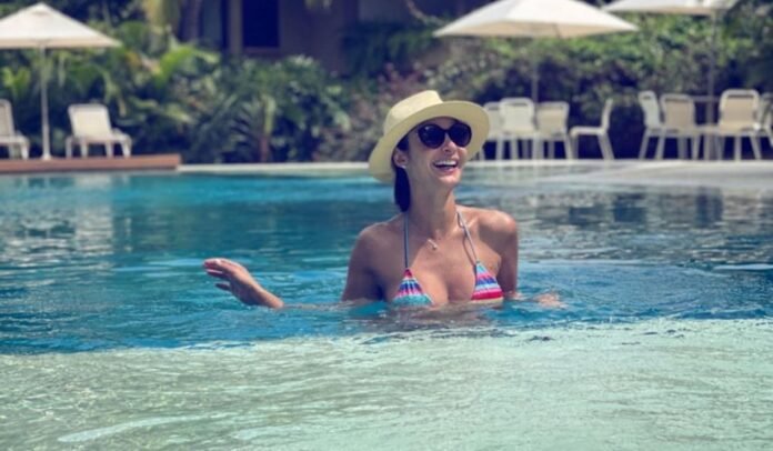 Alejandra Giraldo de vacaciones por Miami