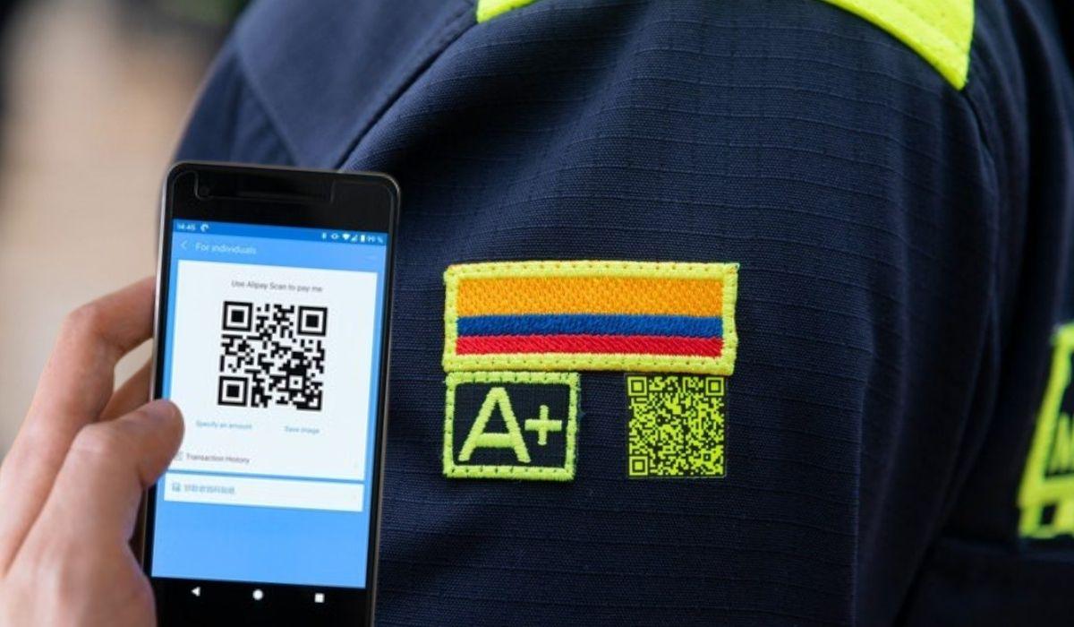 Código QR en nuevo uniforme Policía