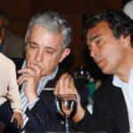 El actor Julián Román publicó una imagen de Fajardo junto a 2 uribistas salpicados por corrupción