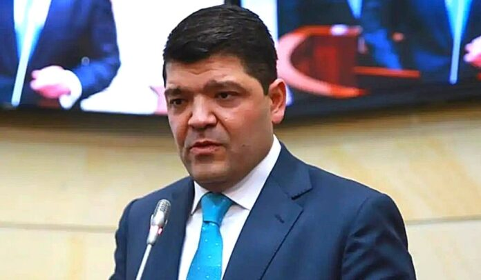Juan Diego Gómez fue elegido el 20 de julio de 2021 como nuevo presidente del Senado