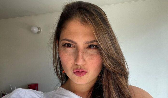 Laura Rodriguez sufre de parálisis facial