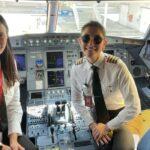 Mujer piloto de Avianca
